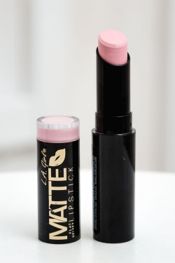 LA Girl Matte Flat Velvet Lipstick - Carried Away