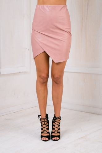 Sharp angles skirt - Leatherette pink