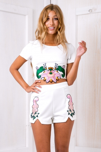 Melany embroidered Shorts - White