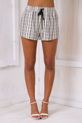 Cayli Shorts -Beige /Charcoal