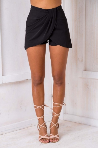 Beth drape short- Black