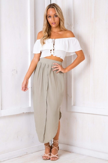 All Eyes On You Skirt - Light Khaki