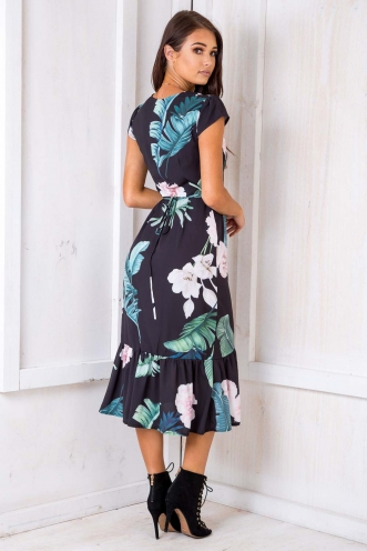 Don't Wake Me Up Dress - Black Floral