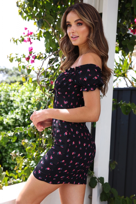 7a14bb24e Floral Boy And A Rose Dress - Black - Stelly