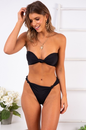 On Weekend Time Bikini Top - Black
