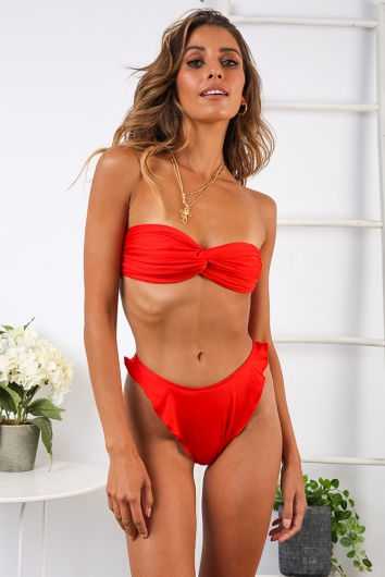 Swirl Treat Top -Red