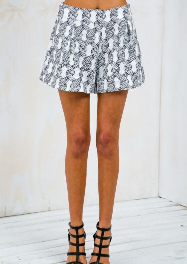 Twisted Rope Tuck Front Shorts - White